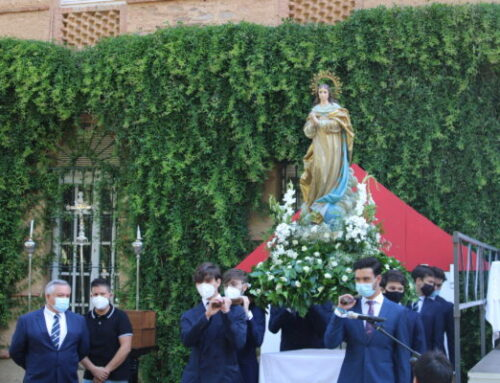 La AA.AA. entrega la Beca Padre Arrupe y homenajea a los jesuitas de Villafranca